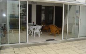 Maison 3 pièces de 50 m² environ pour 7 personnes situé à 300 m de la mer, groupe de pavillons ju...