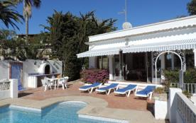 Belle et confortable villa en bord de mer avec accès privé à la superbe crique Baladrar (100m).