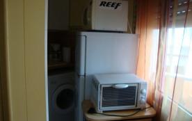réfigérateur et mini four et micro ondes