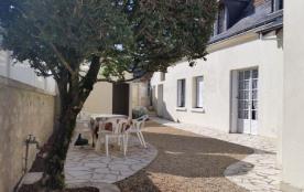 Gîtes de France Le Clos des Vignes. Cette charmante maison du 18ème siècle en pierre de tuffeau, ...