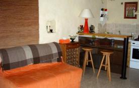 Canapé-lit avec coin cuisine et bar.  Nouveau canapé lit Dunlopillo