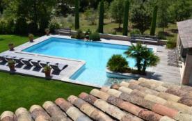 Gîtes en pierres 4 personnes avec piscine en Provence - Gordes
