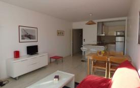 2 pièces 4 personnes - La Rochelle, Port des Minimes : lumineux et spacieux deux pièces pouvant a...