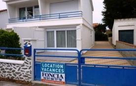 Maison 3 pièces de 65 m² environ pour 4 personnes située à 300 m de la plage, de la forêt et des ...