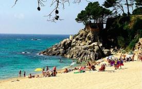 Séjournez au bord de la méditerranée dans un écrin de verdure