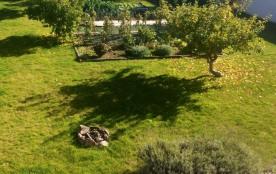 Vue du 1er étage sur le jardin et le potager
