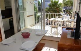 Appartement 2 pièces cabine de 30 m² environ pour 4 à 6 personnes située sur le port, la résidenc...