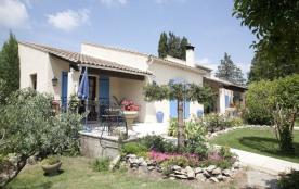 Santa Maria est une jolie maison de vacances située dans le village de Graveson, au cœur de la Provence (Bouches-du-R...