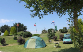 Flower Camping UTAH-BEACH, 30 emplacements, 26 locatifs