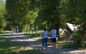 Camping La Belle Etoile, 68 emplacements, 8 locatifs