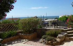 Appartement dans résidence avec jardinet belvédère sur front de mer et port