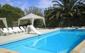 Mas rez-de-jardin dans propriété privée au calme avec piscine et tennis - Mas 2