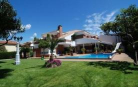 Villa CV SLI
