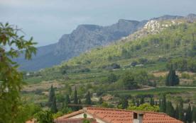 Tautavel : Grande maison dans village entre mer/montagne avec jardins/terrasses