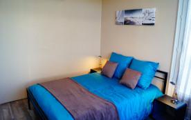 Chambre N°1 ( lit 140)