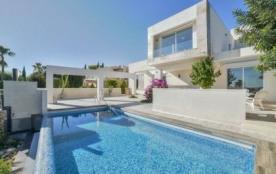 Villa OL ROY