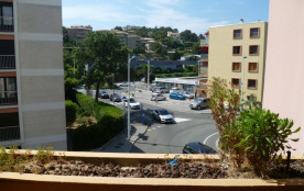 Cavalaire Sur Mer (83) - Centre-ville - Résidence Le Grand Foc. Appartement studio - 20 m² enviro...
