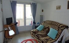 Appartement 1 pièce de 18 m² environ pour 2 personnes située à 200 m de la Plage et 1 km 700 du c...