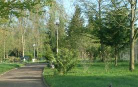 Le Camping de la Plage, situé à Chalezeule, aux portes de Besançon, capitale de la Franche-Comté ...