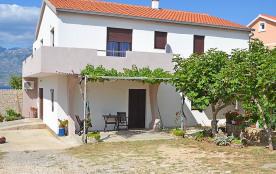 Appartement pour 3 personnes à Ražanac