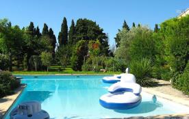 Villa de charme avec piscine en provence