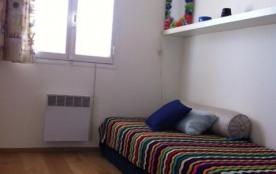 Chambre enfants deux lits.