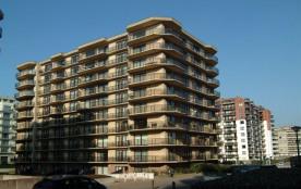 Appartement spacieux avec vue sur l'Esplanade et la mer.