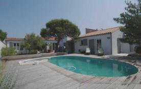Villa individuelle de plain pied avec piscine 10 personnes