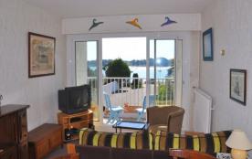 Appartement vue mer 3 étoiles 2 chambres à Trégastel-plages, au 1er étage avec asc. de la Résiden...