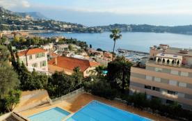 Grand appartement avec vue panoramique sur la baie et le Cap Ferat