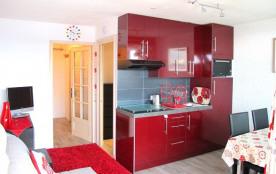 Studio cabine 5 personnes de 27 m² situé au quatrième étage avec balcon plein sud.