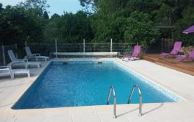 Mirabeau, maison authentique avec grand jardin et piscine