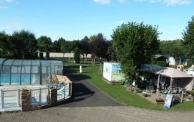 CAMPING LES DOMES, 42 emplacements, 20 locatifs