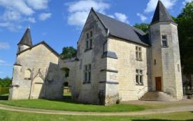 Castel du XVI siècle dans une propriété viticole - Chinon