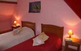 chambre rose a l'étage