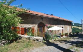 Gîte Les Fayards - Ancienne grange restaurée, située à proximité de notre habitation et bordée d'...