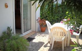 Petite maison individuelle tout  confort,  centre ville, proche commerces et plages - Mèze