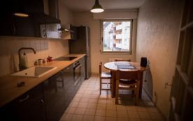 Charmant appartement rénové proche du centre avec garage
