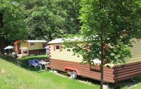 Camping LA PIAT, 72 emplacements, 8 locatifs