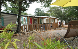 Flower Camping Le Relais de la Bresque, 20 emplacements, 19 locatifs