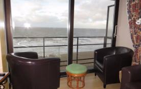 appartement met frontaal zeezicht zeedijk Blankenberge