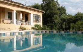 T1 indépendant 3 personnes maxi dans villa avec piscine à FASSANS SUR ISSOLE 83340