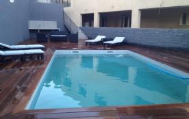 RDC de villa neuf avec piscine