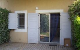 F2 mezzanine pour 6 personnes situé résidence Scarlett au rez-de-chaussée avec petit jardin.