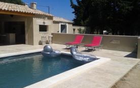 Les Masques est une maison de vacances très agréable, située à Châteaurenard (Provence-Alpes/Côte...