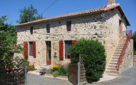 Jolie maison restaurée à 1/2h du Puy du Fou, grand jardin clos