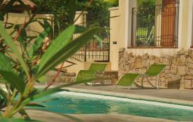 Maison grande capacité piscine salle commune spa jacuzzi sur la Côte d'Azur autour de NICE a LA GAUDE