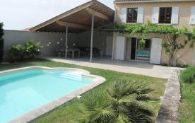 Grand Loft de plein-pied avec jardin et piscine privative, seuls au calme entre l'Isle sur la Sorgue et Gordes