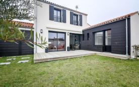 FR-1-310-31 - Charmante maison 800 mètres plage 150 mètres du Port de ST GILLES CROIX DE VIE