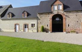 Gîtes de France - Au sein de cet imposant bâtiment de ferme en pierre de pays, un gîte confortabl...